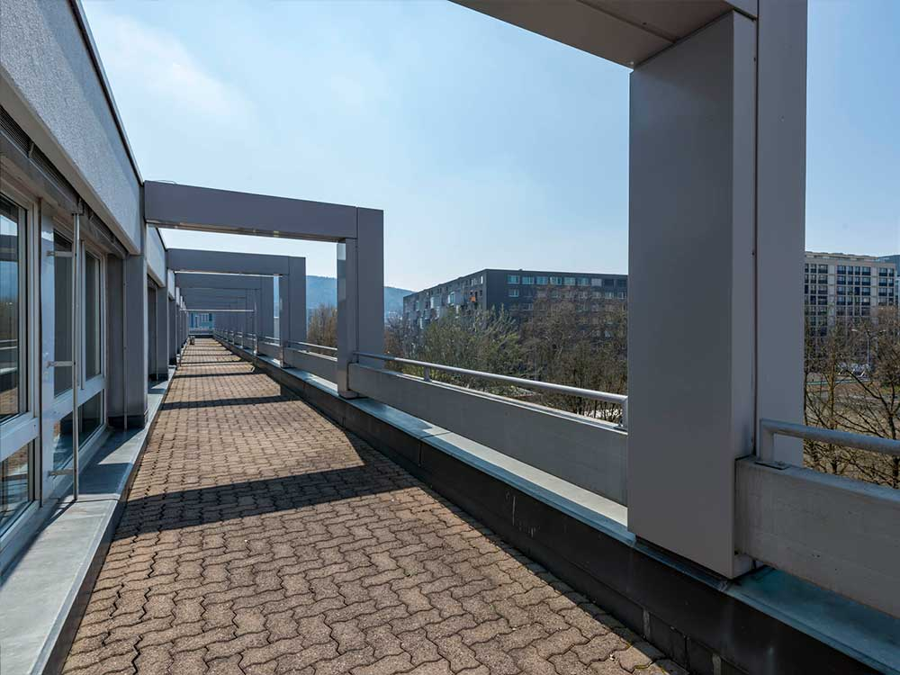 BlueWhite Business Center Buero Vermietung Zuerich Oerlikon Hagenholzstrasse 81/81A